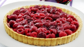 Berry-Topped Pudding Pie
